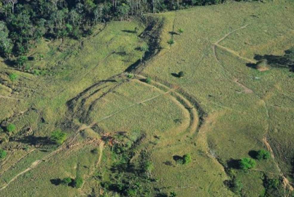 Uno de los círculos hallados en el Amazonas y realizados excavando zanjas sobre el terreno. (Jenny Watling)