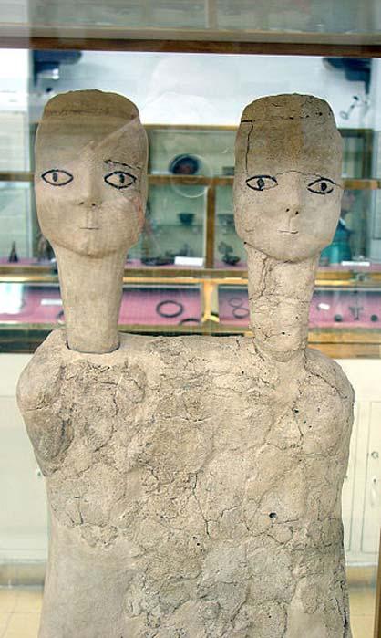 Estatuas andróginas de dos cabezas de Ain Ghazal. (CC BY-SA 4.0)