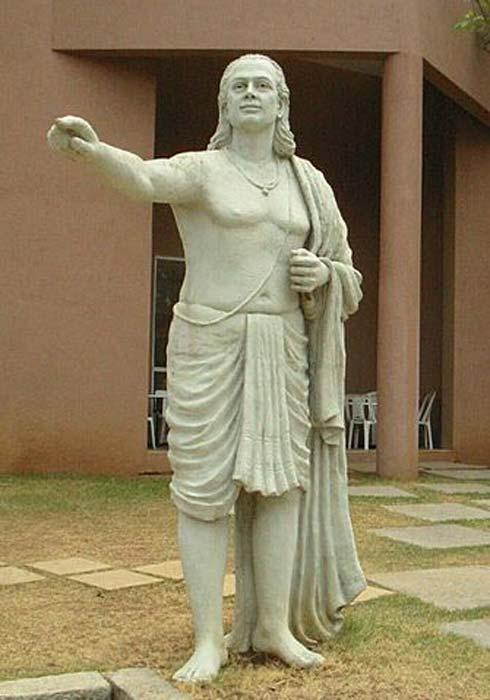 Aryabhata, el famoso astrónomo indio que utilizó las ideas de las primeras teorías astronómicas de la India para construir su visión más completa de la astronomía. (Ver página de autor / dominio público)