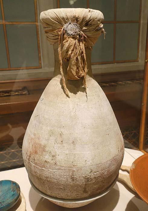 Un frasco de arcilla cocida para almacenar alimentos de la tumba de Yuya y Tuya. (Dominio público)