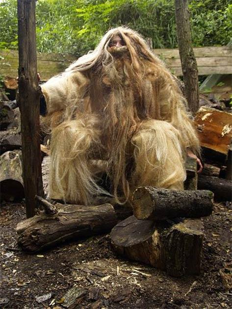 """Basajaun, que significa """"Señor de los bosques"""", se describe como un homínido robusto, grande y peludo que vive en los bosques. (CC-BY-SA-1.0)"""