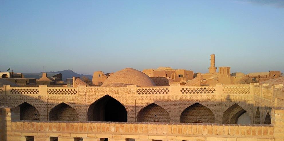 Vista general del caravanserai de Kharanaq (Ben and Asho / Flickr)