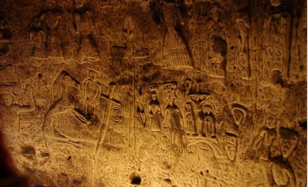 carved-walls-Royston-Cave.jpg