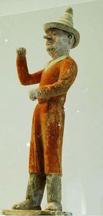 Figurilla de cerámica de un comerciante sogdiano en el norte de China, dinastía Tang, siglo VII d.C. (Dominio público)