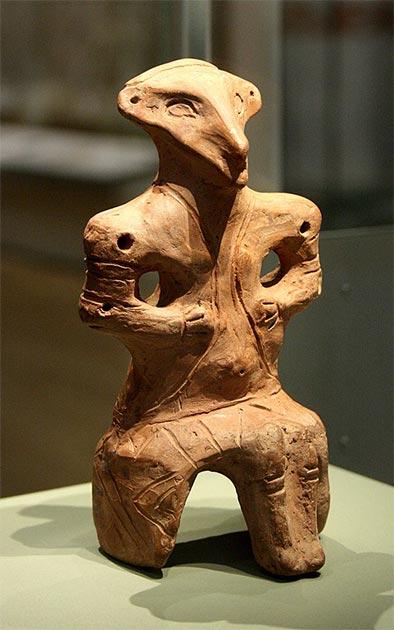 Figura de arcilla cocida Vinča neolítico tardío. (Usuario-pato / CC BY-SA 3.0)