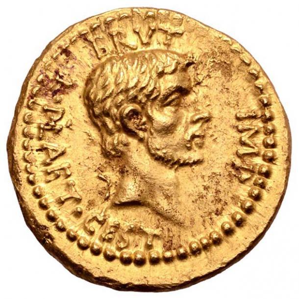 El anverso de la moneda es un retrato de Marcus Junius Brutus, el principal asesino de César. (Numismatic Guaranty Corporation)