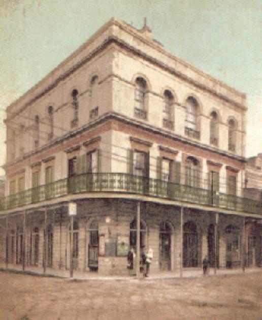 Delphine LaLaurie Mansion en una postal de 1906. (Dominio público)
