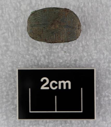 El equipo también descubrió joyas, como este anillo, que podrían remontarse a la Edad del Hierro. (HS2)