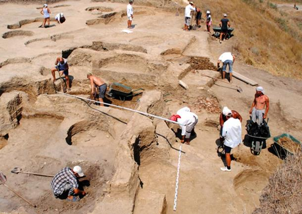 Excavaciones en el yacimiento arqueológico de Fanagoria. (Volnoe Delo)