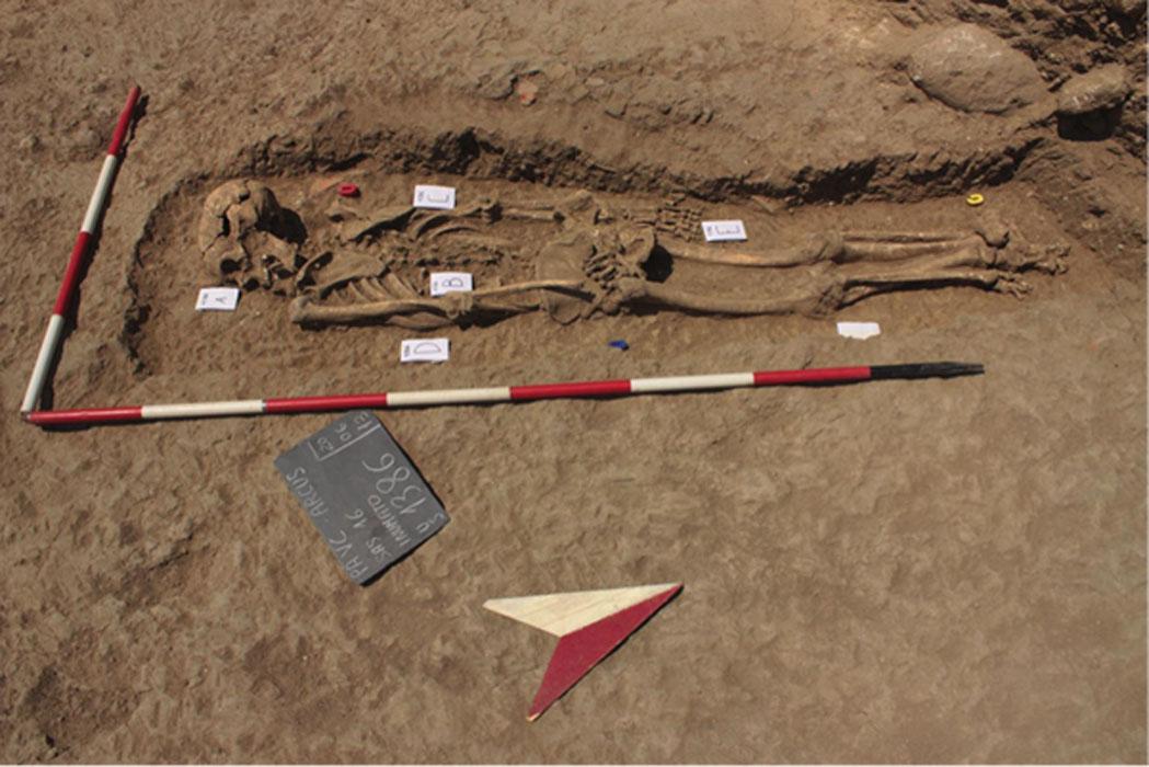 Este entierro desviado es un misterio de asesinato medieval.