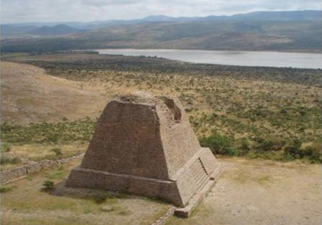 Piramide-votiva-La-Quemada.jpg