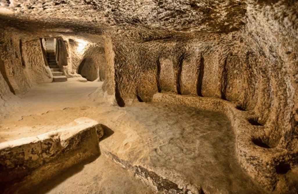 Portada-Ciudad subterránea de Derinkuyu en Capadocia, Turquía. Fuente: BigStockPhoto