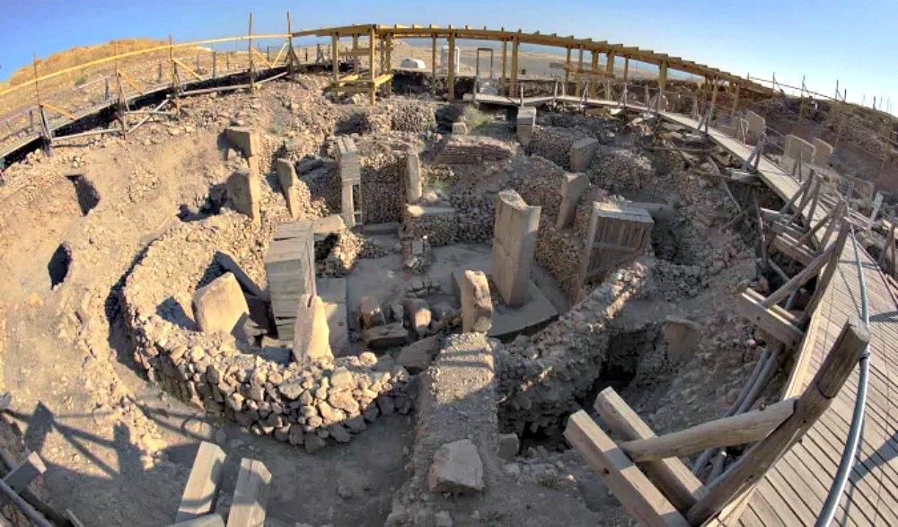 Portada - Panorámica de las excavaciones de Göbekli Tepe. (Fotografía: Historia Enigmática)