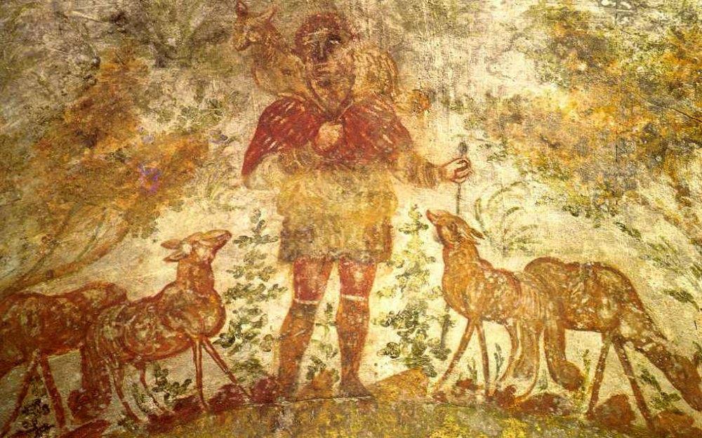 Portada-Fresco de las Catacumbas Cristianas de Domitila en el que Jesús aparece retratado como Buen Pastor (años 200-300). (Public Domain)