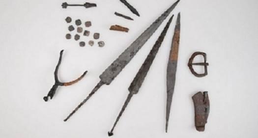 Portada-Los objetos descubiertos en la llanura de Morgarten, posiblemente procedentes de una importante batalla del siglo XIV