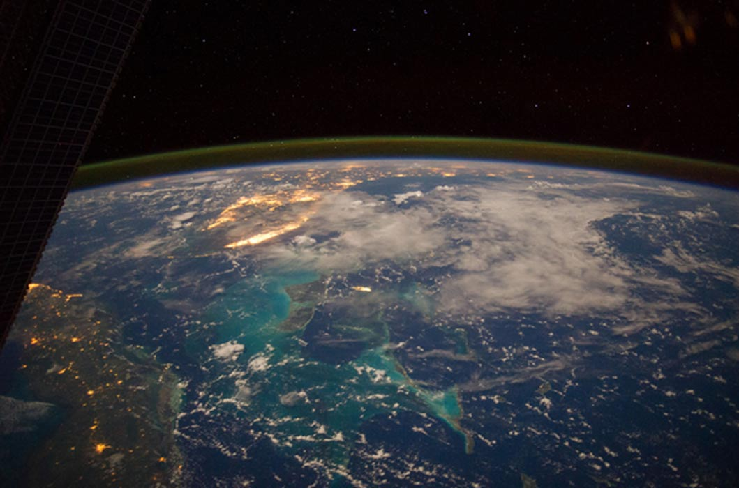 Portada - El mar Caribe desde el espacio (NASA Marshall Space Flight Center / Flickr)