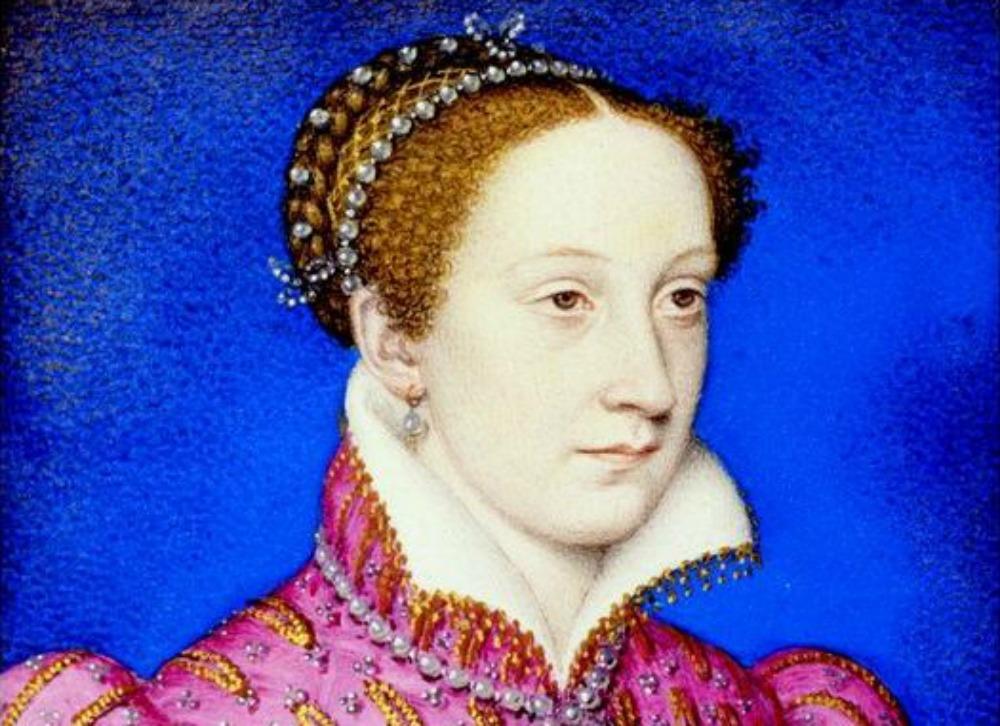 Portada - Detalle del retrato de María Estuardo, reina de Escocia, en la época de su matrimonio con el heredero francés Francisco de Valois, futuro Francisco II de Francia, hijo de Enrique II de Francia y Catalina de Médici. Realizado en 1558 por François Clouet (1515-1572), forma parte de la Colección Real Británica. (Public Domain)