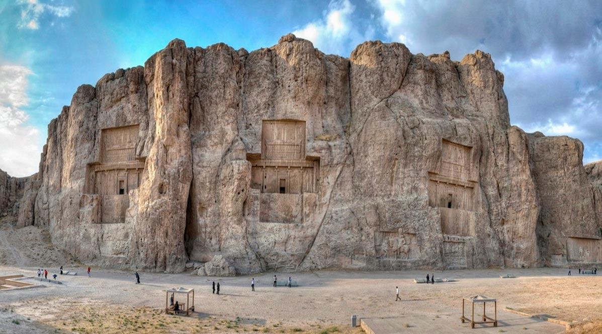 Portada - Naqsh-e Rostam, provincia de Fars, Irán. (Wikimedia Commons)