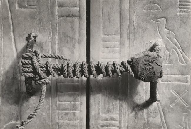 Portada-Sello-Intacto-Tumba-Tutankamon-1922.jpg