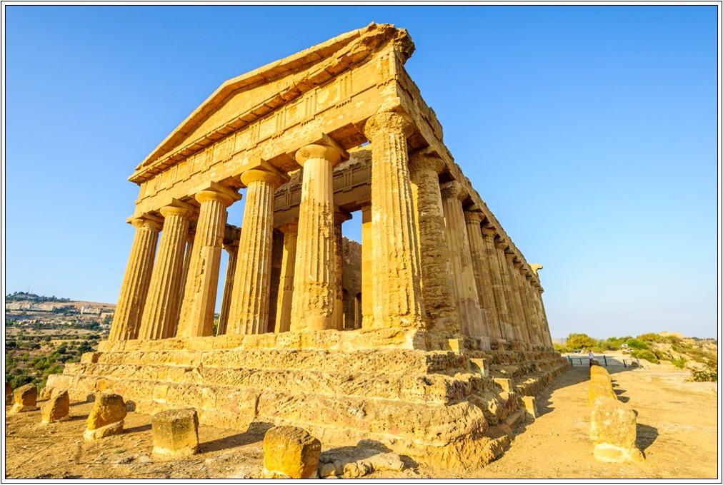 Portada-Templo-griego-Agrigento.jpg