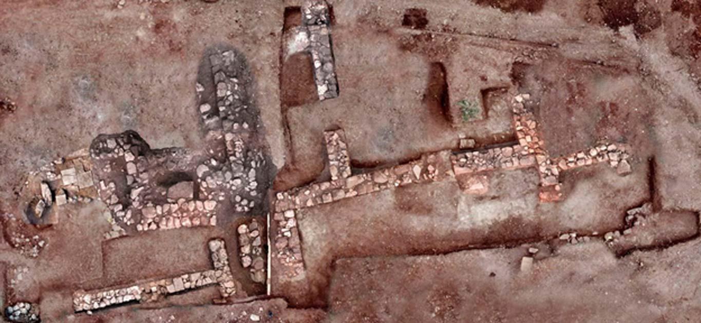 Portada - Imagen aérea de lo que se cree que son las ruinas de la ciudad perdida de Tenea. Fuente: Ministerio de Cultura griego