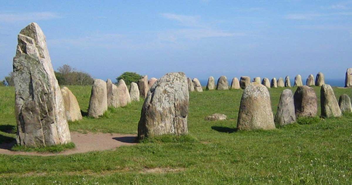 Portada - Piedras de Ale en Kåseberga, unos diez kilómetros al sudeste de Ystad. (CC BY-SA 3.0)