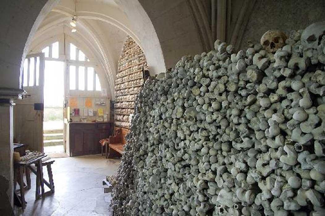 Portada - La puerta de la cripta fue forzada. Fuente: Cortesía de TripAdvisor