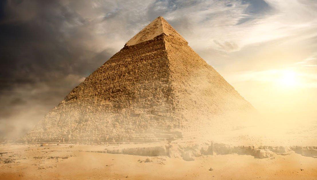Portada - Gran Pirámide de Egipto. (BigStockPhoto)
