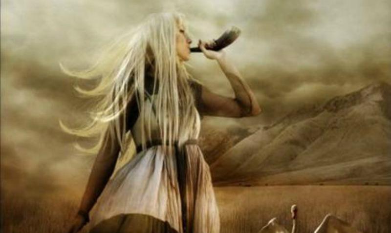 Portada - Recreación artística de la diosa nórdica Sif. (Journeying to the Goddess)