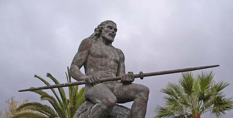 """Portada - Estatua de """"El Gran Tinerfe"""", Adeje (Tenerife). (Frank C. Müller/CC BY SA 2.5)"""