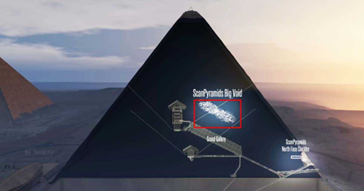 Portada - Nuevas investigaciones centradas en la densidad de unas partículas llamadas muones han revelado la existencia de un espacio vacío (que se puede observar en esta ilustración) de más de 98 pies (30 metros) de largo justo por encima Gran Galería de la pirámide de Keops. Imagen: ScanPyramids mission