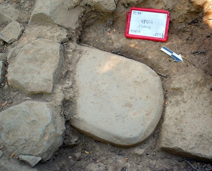 Portada-Esta estela etrusca se encontraba incrustada en los cimientos de un templo monumental, lugar en el que había permanecido durante más de 2.500 años. (Proyecto Valle del Mugello)