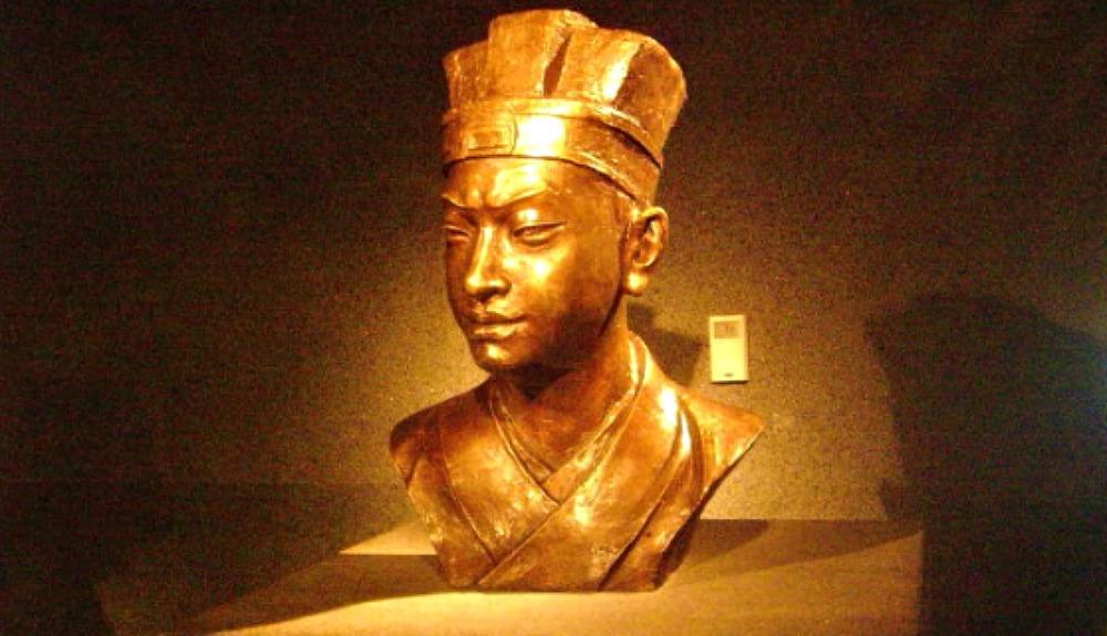 Portada - Busto de Cai Lun en el Museo Nacional de China, Pekín. (Caidiyun/CC BY-SA 3.0)