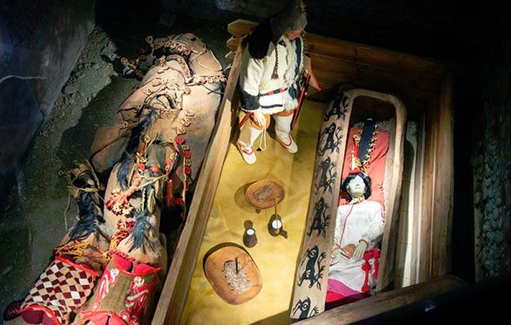 Portada-Este maniquí – una réplica exacta – está expuesto en el museo, pero en 'ocasiones especiales' a algunos VIPs se les 'ofrecería la oportunidad de ver a la momia auténtica'. Fotografía: Autotravel.ru