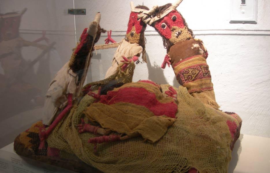 Portada-Muñecas funerarias Chancay. Fotografía: (Flickr/CC BY 2.0)