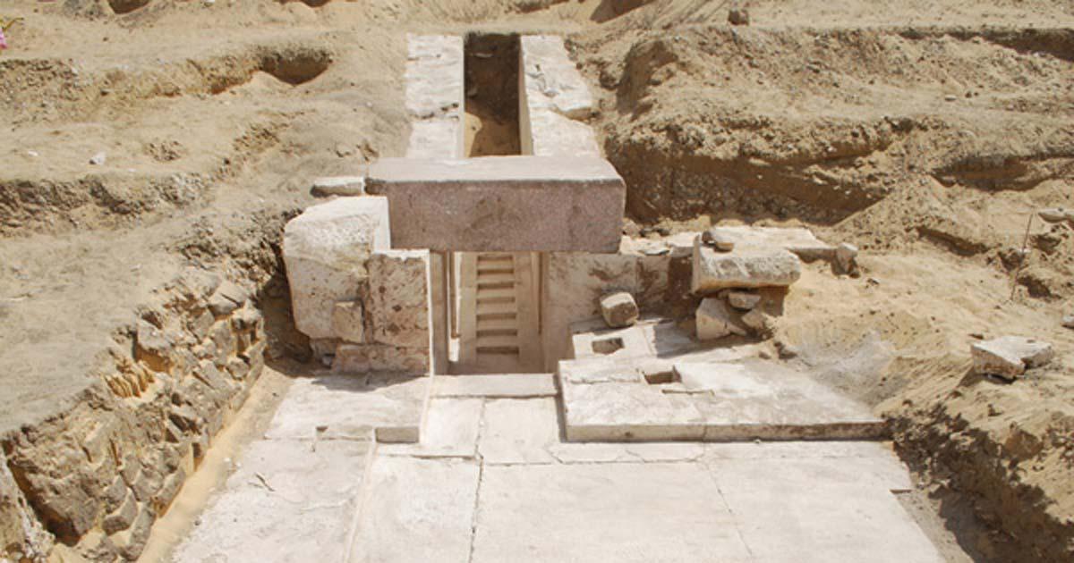 Portada - Corredor de acceso al interior de la pirámide recientemente descubierta. (Ahram Online)