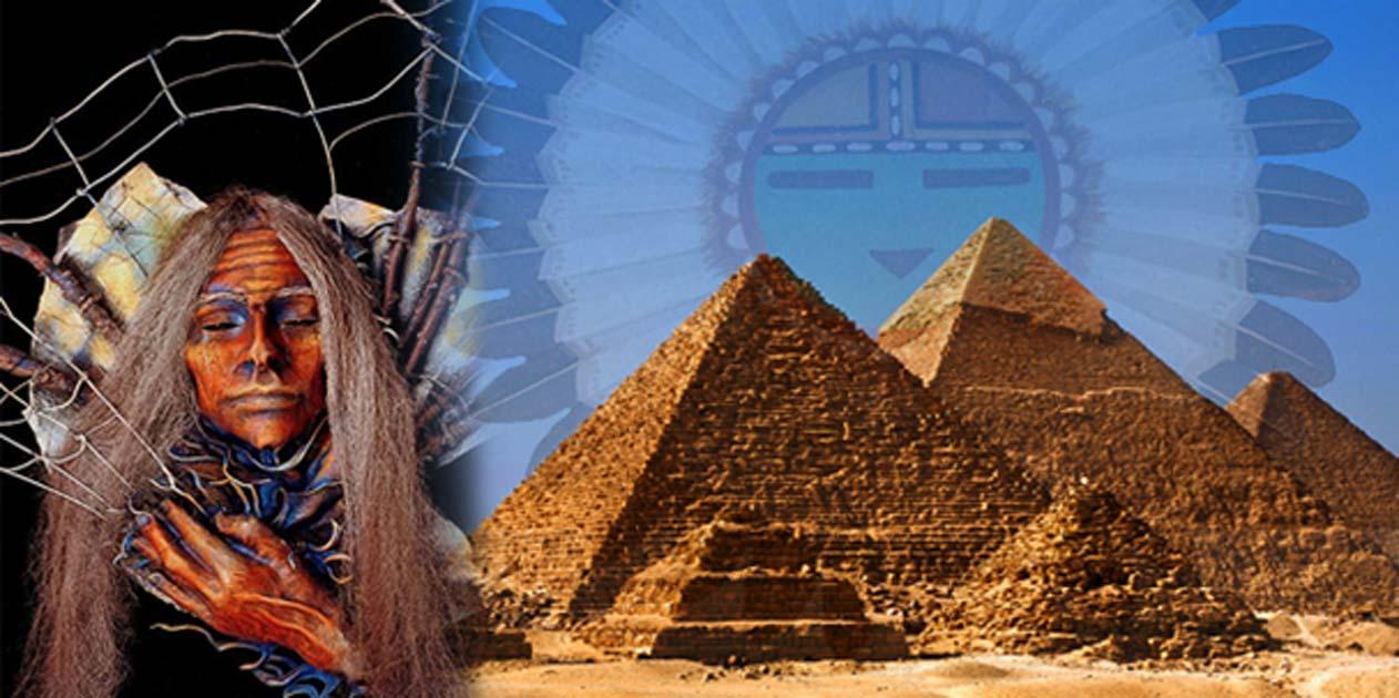 Portada - Derecha, Pirámides de la meseta de Guiza (CC BY-SA 2.0) y Creador de la mitología Hopi (Public Domain). Izquierda: la Mujer Araña del folklore nativo americano (CC BY-SA 3.0).