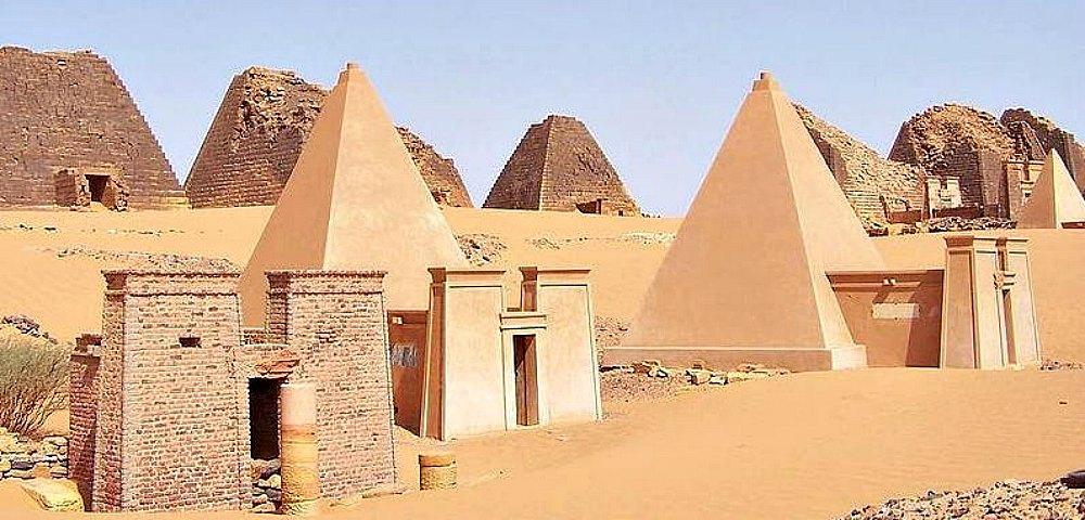 Portada - Pirámides nubias 26 y 27 de Meroe.
