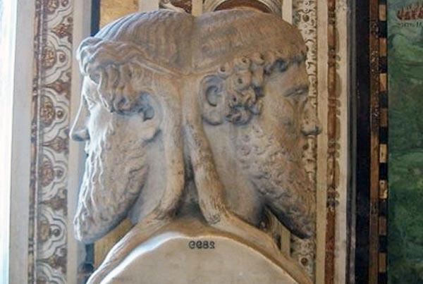 Portada - Escultura de Jano, el dios de dos caras al que los antiguos romanos realizaban promesas en el día de Año Nuevo. (Public Domain)