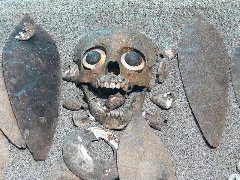 Portada - Enterramiento azteca de un niño sacrificado en Tlatelolco (Public Domain)