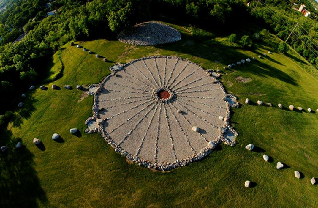 Portada - Medicine Wheel Park, Universidad Estatal de Valley City, Valley City, Dakota del Norte (Estados Unidos)