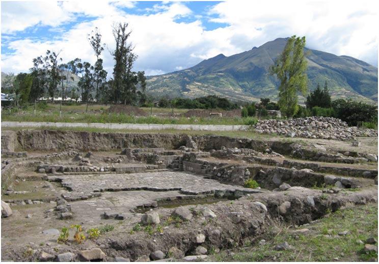 Las excavaciones del año 2006 en Ecuador sacaron a la luz las ruinas de un estanque de gran tamaño, llamado Templo del Agua. El agua se recogía a kilómetros de distancia y se llevaba hasta el templo en un alarde de destreza, técnica e ingeniería.