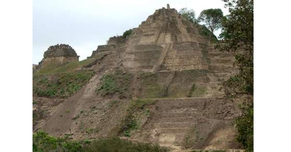 Vista de la parte norte de la acrópolis de Toniná, Chiapas