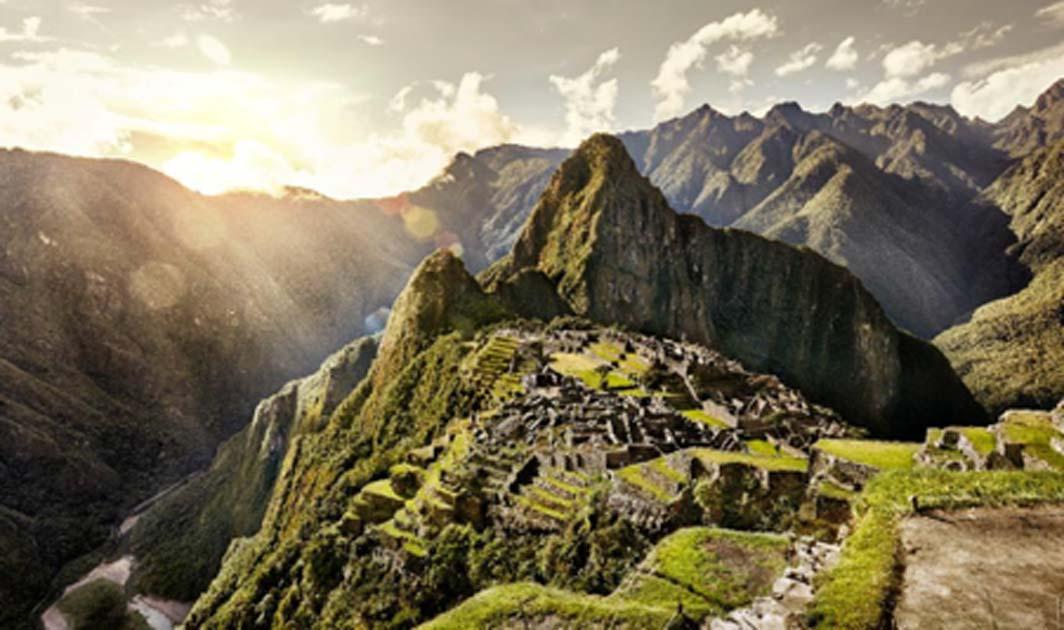 Vista de la antigua ciudad inca, Machu Picchu, Perú. Fuente: alekosa / Adobe Stock