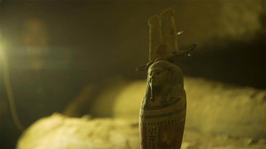 Una estatua funeraria descubierta en las tumbas de Saqqara.