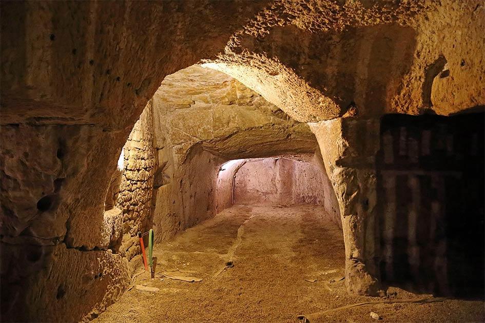 uno de los túneles famosos y aún en gran parte inexplorados de Château de Brézé. (Marc Ryckaert / CC BY-SA 4.0)
