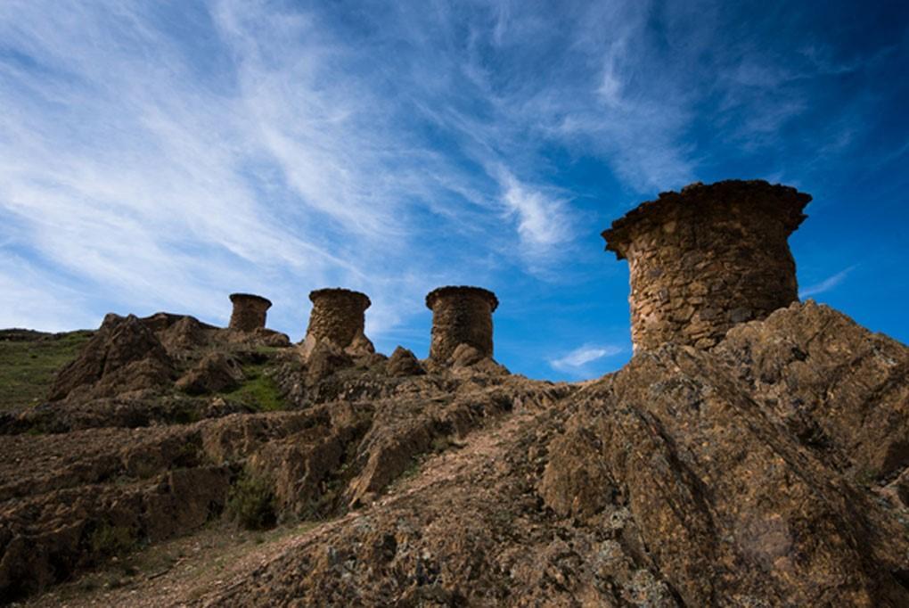 Chullpas cerca del Parque Nacional del Manu, Perú. (CC BY 2.0)