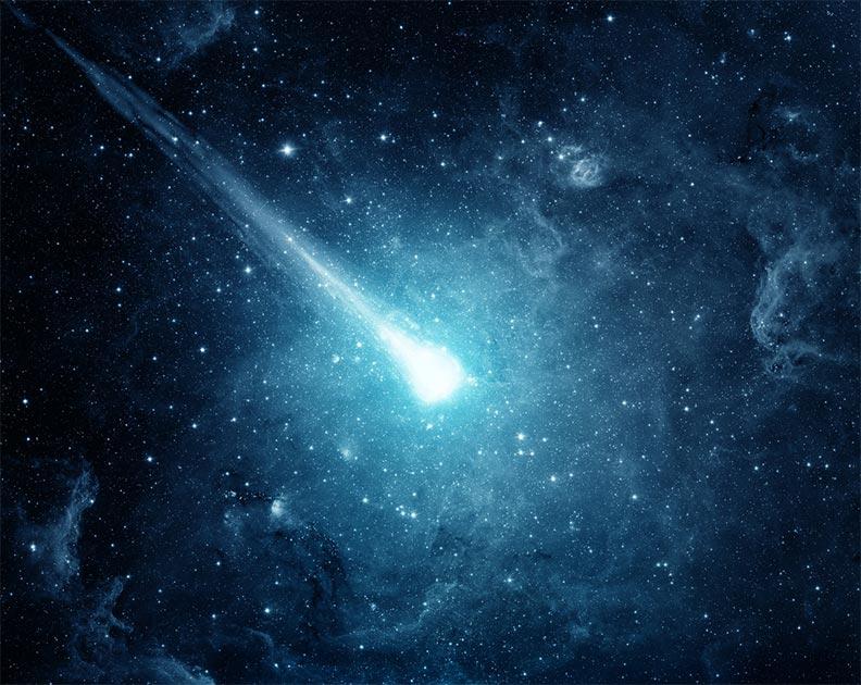 Imagen representativa del cometa Atlas en el cielo nocturno. Fuente: Tryfonov/ Adobe stock