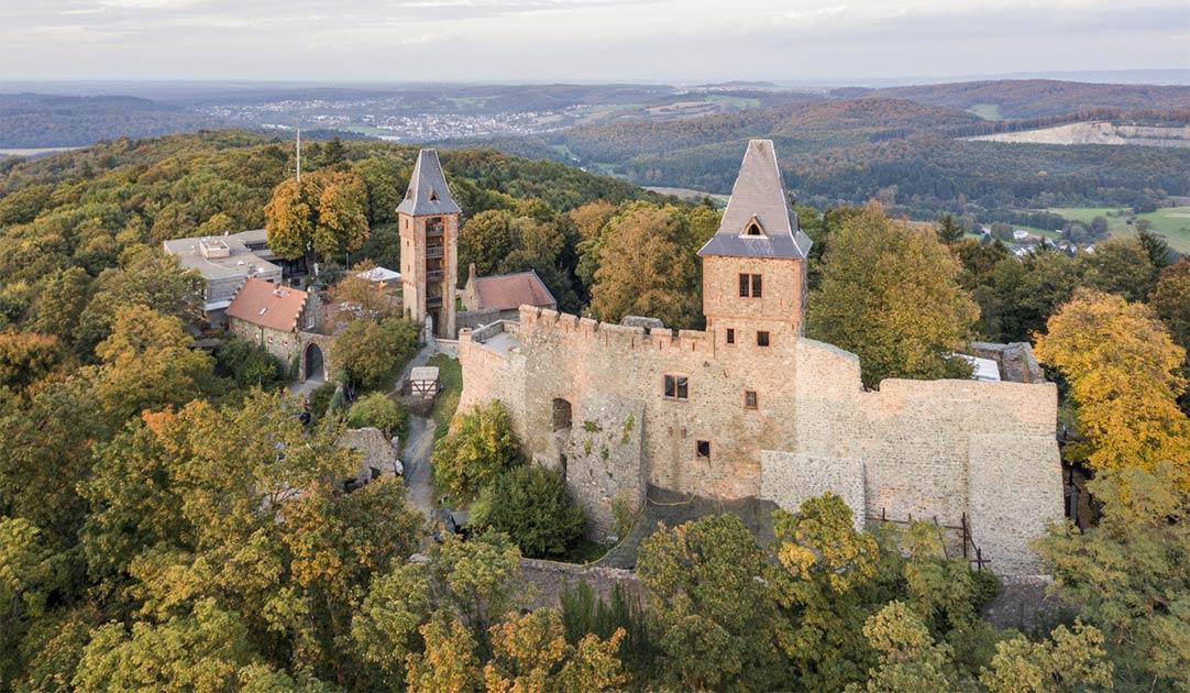 Vista aérea del castillo de Frankenstein en el sur de Hesse, Alemania Fuente: Iurii/ Adobe Stock