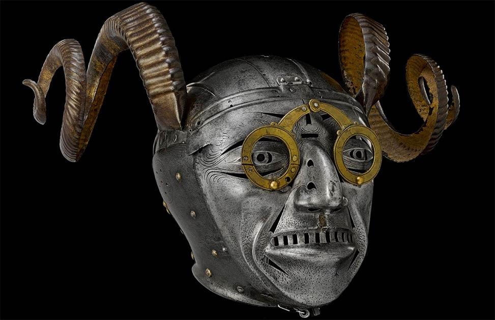 El casco con cuernos de Enrique VIII es la atracción estrella del Royal Armouries Museum de Leeds.